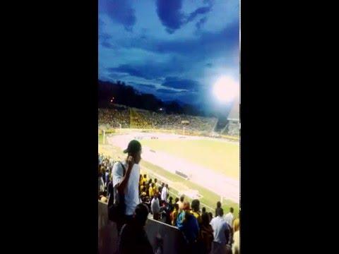 """Que te pasa demonio"" Barra: Avalancha Sur • Club: Deportivo Táchira"