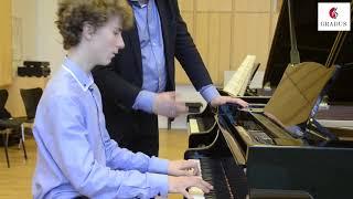 Se vores videopræsentation af talentskolen Gradus Junior College
