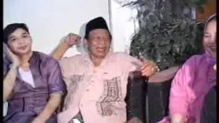 """Pasha 'Ungu' : """"Mama Waktu Muda Seperti Adel"""" - CumiCumi.com"""