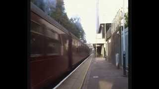 preview picture of video 'Bracknell station. Oliver Cromwell 70013 steams through 28/9/14'