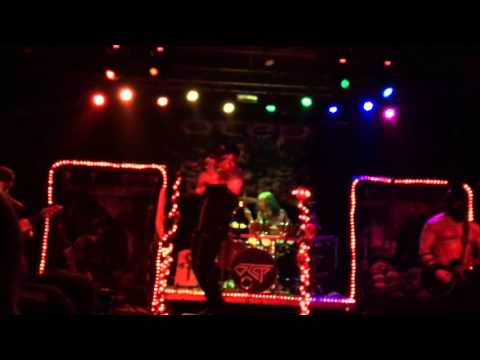 """Otep @ Cleveland Agora-""""Equal Rights Equal Lefts"""""""