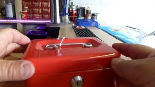 033 TLI Cash Box Picked Open