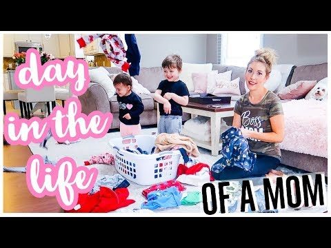 DAY IN THE LIFE OF A MOM VLOG | STAY AT HOME MOM ROUTINE 2019