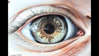 Drawing A Hyper Realistic Eye Using Coloured Pencils