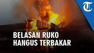 Kebakaran di Pemangkat Sambas, Belasan Ruko Hangus dan Api Masih Menyala