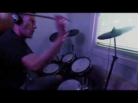 Download Deep Purple Smoke On The Water Drumless Video 3GP Mp4 FLV