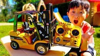 무거운 짐은 예준이를 불러주세요! 중장비 자동차 장난감 놀이 포크레인 트럭 플레이하우스 어린이 놀이터 Forklift Car Toy Video for Kids