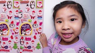 Bé Bún Có Nhiều Sticker Dán Hình Giáng Sinh