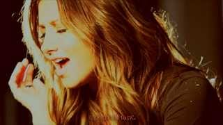 Ashley Tisdale - Love Me For Me [Traducida al Español]