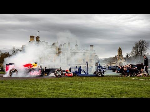 hqdefault - Un formula uno de 750 caballos Vs Equipo de rugby