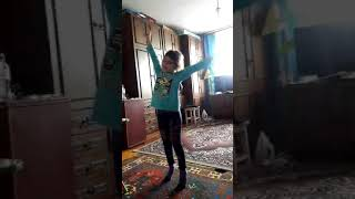 Танец для Друзей)))😗