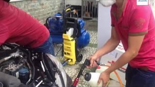 Dịch vụ vệ sinh nội thất ô tô tại nhà ở TP.HCM