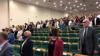 Wideo1: Inauguracja roku akademickiego 2021-2022 w WSH w Lesznie