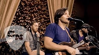 Charlie Worsham - Santa Claus Is Coming to Town | Hear and Now | Country Now