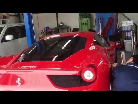 Ferrari458フェラーリ新車のへこみを叩いて直すデントリペア!!