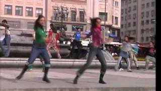 1x08 -Chorégraphie - Dancing in the street