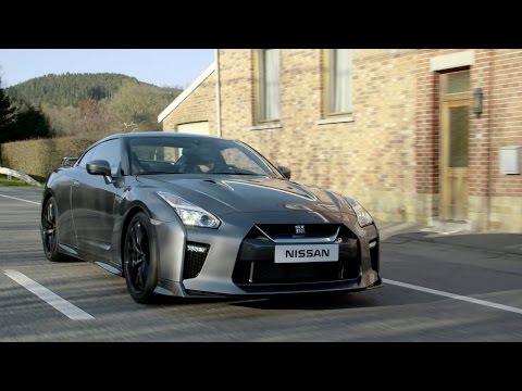 2017 Nissan GT-R-First Look