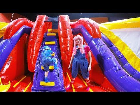 Parque de Juegos Inflables S2:E254