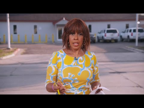 , title : 'Gayle King on migrant families arriving at U.S. border'