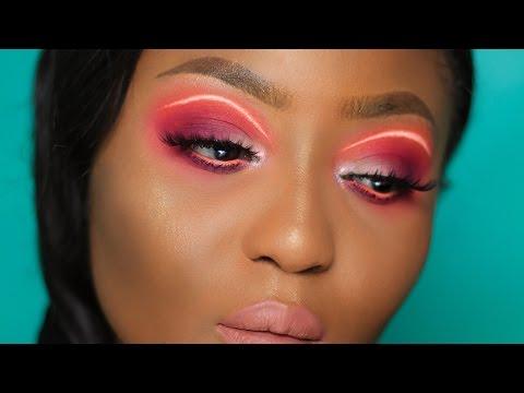 Instagram Makeup Trend: NEON Floating Liner