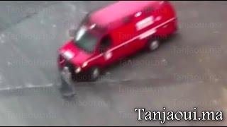 فيديو سيارة إسعاف تدهس سيدة في أحد شوارع المغرب