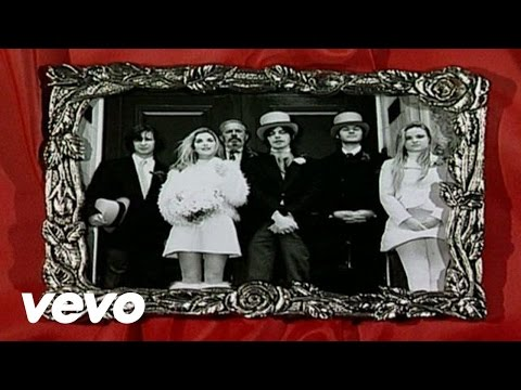 Saint Etienne - I Was Born On Christmas Day - Christmas Radio