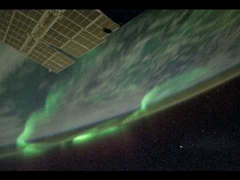 Zorza polarna widziana z orbity