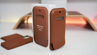 iPhone 12 Official Apple Leather Sleeve - Unboxing and Everything You Wanted to know