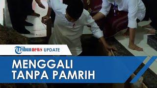 POPULER: Cerita Penggali Kubur yang Gali Makam untuk Keluarga Jokowi