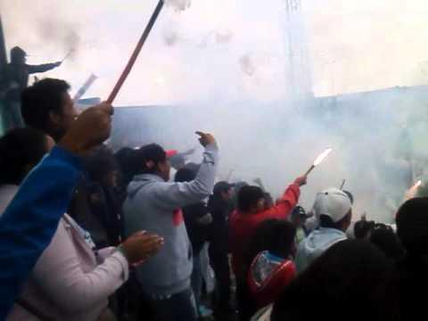 """""""Hinchada del lobo jujeño!!!"""" Barra: La Banda de la Flaca • Club: Gimnasia y Esgrima Jujuy"""