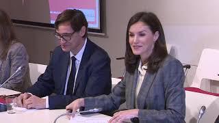 S.M. la Reina preside una reunión de trabajo en Cruz Roja Española sobre violencia de género