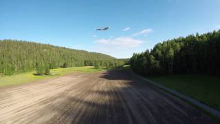 Chasing an FPV wing with an FPV drone