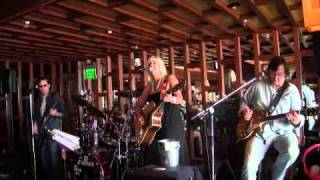 Tricia Freeman Band at 3Thirty3.9.wmv