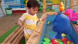 Trò Chơi Câu Cá Ở Khu Vui Chơi Trẻ Em | Đồ Chơi Trẻ Em Câu Cá Kids Toy Media