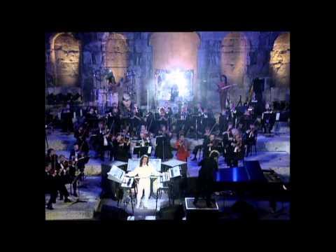 Música, beleza e encantamento: Yanni na Acrópolis de Atenas