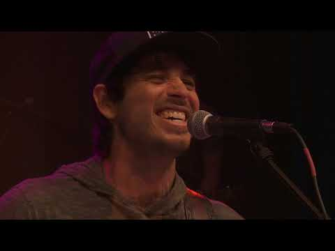 Morgan Evans - Day Drunk (98.7 THE BULL)