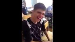 Пацан узнал что смех продлевает жизнь))))