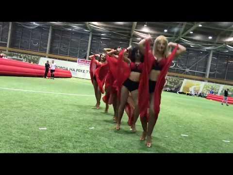 Шоу-балет черлидеры Lucky Demons Cheerleaders