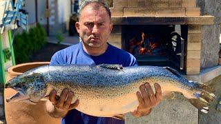 """Новое видео на канале """"GEORGY KAVKAZ"""" Рыба сёмга запеченная в деревенской печи.  Способ приготовления  рыбы в духовке. Маринад для СЁМГИ. Простой рецепт РЫБА СЁМГА, ЗАПЕЧЕННАЯ в ДУХОВКЕ на канале """"ГЕОРГИЙ КАВКАЗ"""" в YouTube https://youtu.be/JgynVnAgc00 _________________ Друзья! Вы можете приобрести Казаны, тандыры, мангалы, саджи и многое другое в надежном интернет-магазине товаров для пикника и отдыха http://kazany.ru/ ---------------------------- ПОДПИСЫВАЙТЕСЬ  и следите за нашим instagram  https://www.instagram.com/georgikavkaz/ ----------------------------- Группа в Facebook: https://www.facebook.com/groups/362499107520738/ Группа Вконтакте:  https://vk.com/public153068131 ------------------------------ P.S. ПОНРАВИЛОСЬ ВИДЕО ЛАЙКНИТЕ И ПОДЕЛИТЕСЬ ИМ С ДРУЗЬЯМИ!!      #сёмга #рыба #печь"""