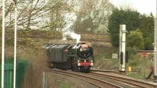 preview picture of video 'BR Class 7, 70013 Oliver Cromwell, Cumbrian Mountain Express, Lostock Hall Junction, March 31 2012'