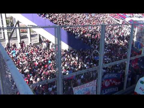 """San Lorenzo 3 San Martin SJ 1 Dicen que estamos todos de la cabeza.."" Barra: La Gloriosa Butteler • Club: San Lorenzo • País: Argentina"