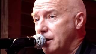 Midge Ure - Man of the world (Live at Strobels, Dortmund 20.06.2012)
