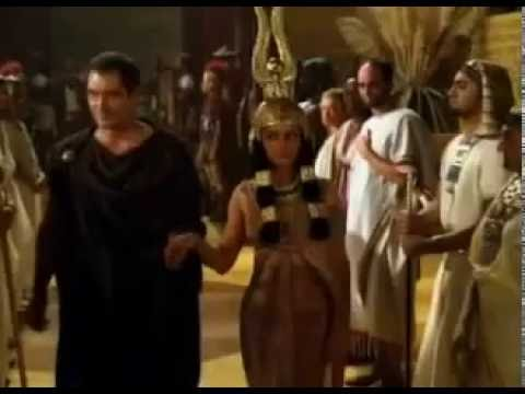 Cleopatra re assumes the throne of Egypt, backed by Julius Caesar, 47 BC