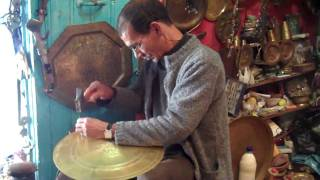 preview picture of video 'Hammering brass plates in Chefchaouen, Morocco'