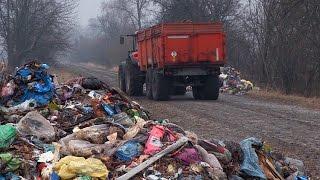 Жителі Старого Солотвина шукають свідків, які бачили вантажівку, що скинула сміття,