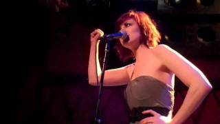 "Anna Nalick perorms ""Shine"" from her EP live in NYC!"