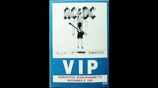 AC / DC - 04 - This house is on fire (Worcester - 1983)