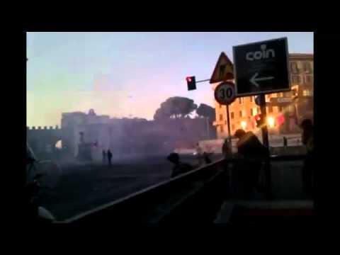 15 Ottobre – San Giovanni, polizia lancia lacrimogeni