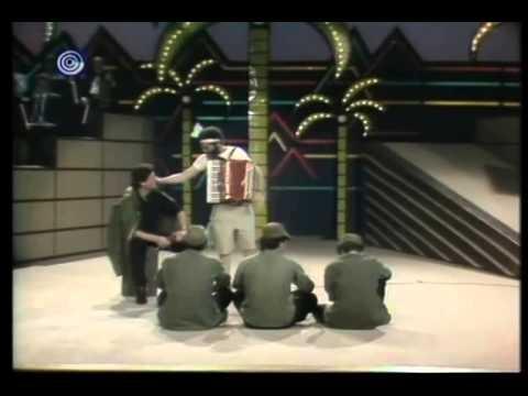 שלמה בראבא וששי קשת במערכון נוסטלגי