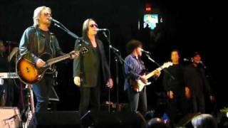 Hall & Oates - Grand Finale! Love Train - Last Call @ The Spectrum - Philadelphia, PA - 10/23/09